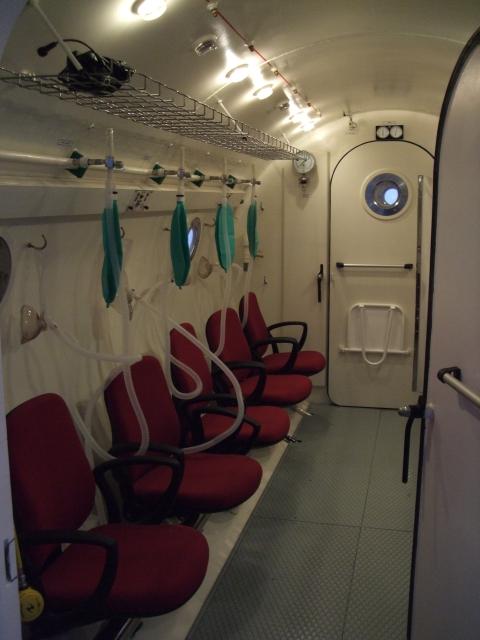 Druckkammer im Universitätsklinikum in La Laguna auf Teneriffa