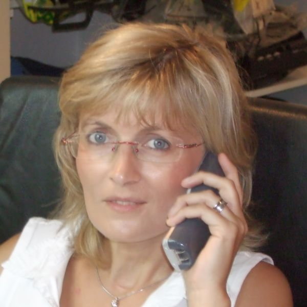 Kerstin - Oficina, Administración & Relaciones Públicas