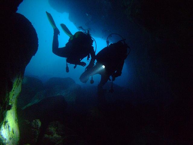 PADI Cavern Diver Course